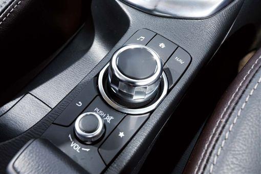 (車訊網/業配)進口小車攻防戰-配備篇(1/3)VW Polo vs. Mazda 2 vs. Suzuki Swift