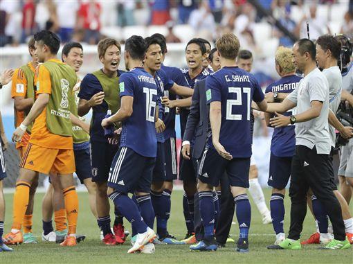 日本晉級16強,後衛長友佑都。(圖/美聯社/達志影像)