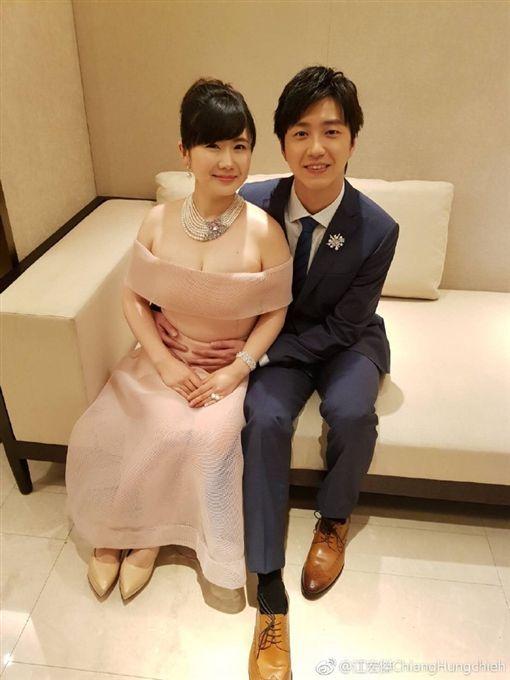 ▲江宏傑與福原愛婚後感情一向甜蜜。(圖/翻攝自微博)