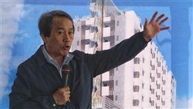 林欽榮說明華榮市場都更案位於台北市士林區的華榮市場,是台北市政府公辦都更案首宗開拆。台北市副市長林欽榮在開拆記者會說明都更內容。中央社記者徐肇昌攝  107年4月2日