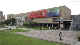 迎接台中花博,國內外四大美術館聯展「花之禮讚」。(圖/台中市政府)