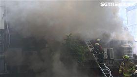 士林夜市,火警,鐵皮屋,濃煙,消防隊,救火,無人傷亡