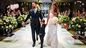 梅西去年6月30日完婚。(圖/翻攝自梅西 Twitter)
