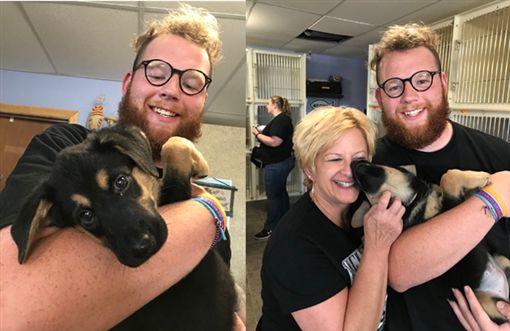 少年得到網友100萬個轉推,成功讓媽媽答應領養狗狗。(圖/翻攝推特)