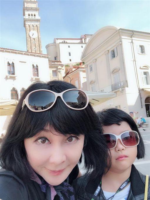 吳淡如帶女兒小熊到歐洲遊玩,圖/翻攝自臉書