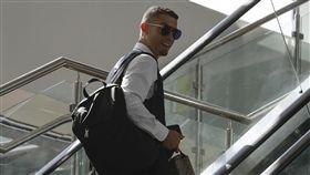 C羅(Cristiano Ronaldo)搭機回葡萄牙。(圖/路透社/達志影像)