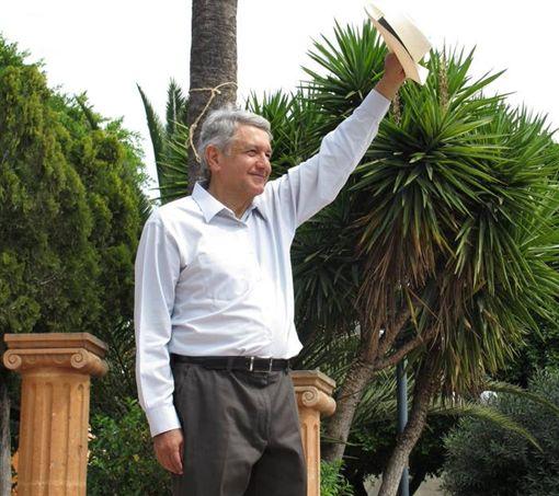 墨西哥左派總統候選人羅培茲(Andres Manuel Lopez Obrador)有望贏得壓倒性勝利,成為下一任墨西哥總統。(圖/翻攝自Andres Manuel Lopez Obrador臉書)