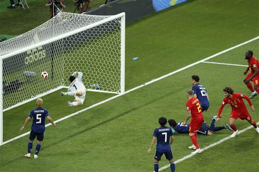 ▲乾貴士為日本踢進第2球。(圖/美聯社/達志影像)