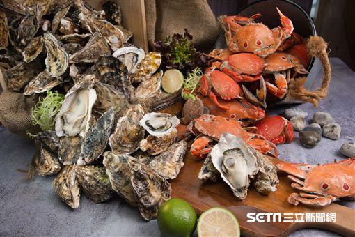 蠔門蟹宴廣島鮮蠔任你吃。(圖/漢來海港提供)