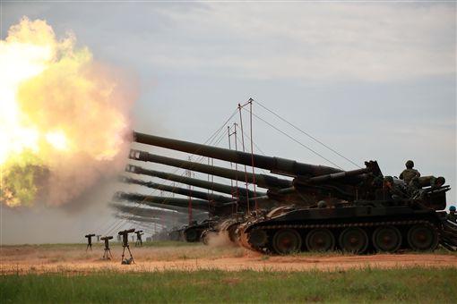 第三作戰區重砲射擊,震撼齊發,展現精實戰力 圖/六軍團提供