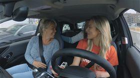 ▲乘客在車內盡情歡唱(圖/翻攝自Fortum Youtube)