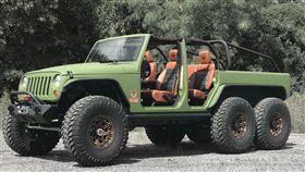 Jeep Wrangler 6輪傳動改裝車。(圖/翻攝Bruiser Conversions網站)