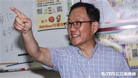 丁守中台北市長參選人拜會錦華里里長。 (圖/記者林敬旻攝)