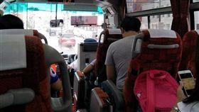 日本公車,台灣小孩唱歌(圖/爆怨公社)