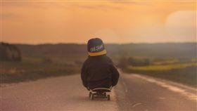 蛇板,內湖,公園,女嬰,男童,重摔,平衡,跌到 圖/翻攝自Pixabay https://goo.gl/sq74qt