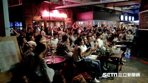 ▲台北花博的法國主題餐廳看世足。(圖/記者林辰彥攝影)