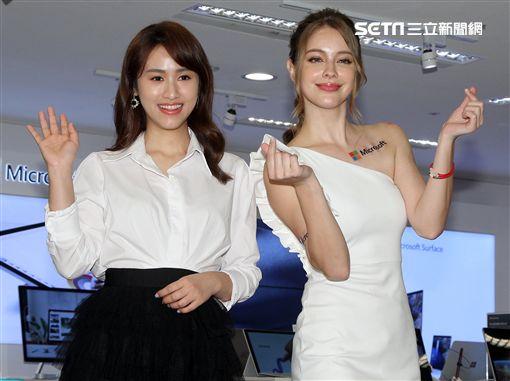 新生代主持人吳姍儒、俄羅斯美女安妮,出席微軟產品代言。(記者邱榮吉/攝影)