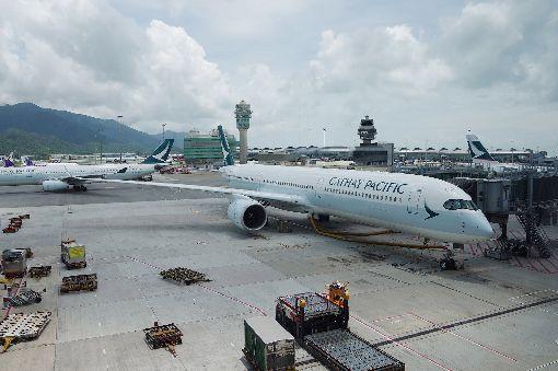 A350-1000台北香港航線搭得到(1)國泰航空日前接收首架A350-1000飛機,這是空中巴士全新機型,目前全球僅2架交機,即日起至9日往返台北-香港航線。中央社記者陳葦庭攝 107年7月6日