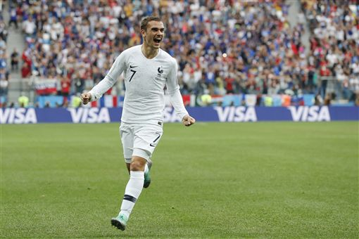 ▲瓦拉內(Raphael VARANE)幫助法國隊先進球。(圖/美聯社/達志影像)