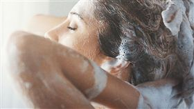 交往1年同居 正妹女友竟「3天洗一次澡 (PIXABAY)