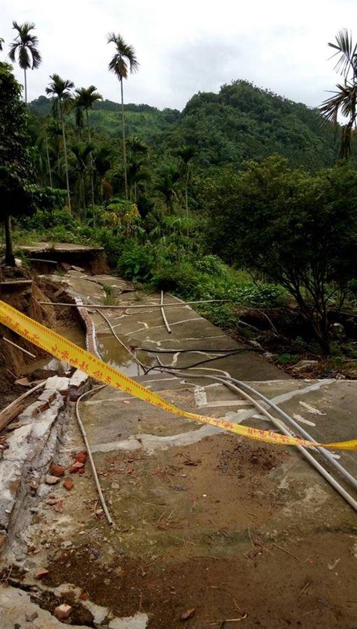 土石流,颱風,大雨,砸傷,坍塌(圖/翻攝中埔分局分局長室臉書)