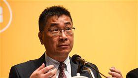 行政院發言人徐國勇出席「 新經濟移民法規劃重點記者會」。 (圖/記者林敬旻攝)