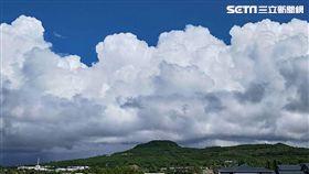 台東蘭嶼方向受瑪莉亞影響雲層厚、好天氣、颱風(圖/記者邱榮吉攝)