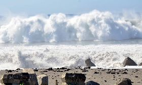 台東沿海浪花2層樓高(1)