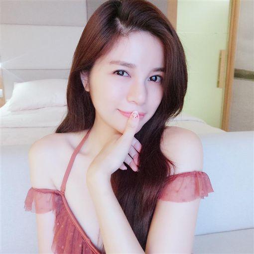 ▲陳潔玲因為外表貌似陳妍希,被稱為「翻版陳妍希」。(圖/翻攝自臉書)