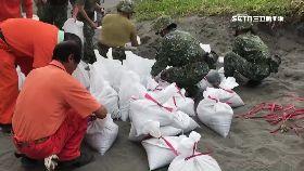 國軍堆沙包g1030