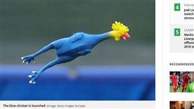 超搞笑!「橡皮雞」成英格蘭訓練道具 世足,世界盃,英格蘭,4強,橡皮雞,訓練,搞笑 https://www.mirror.co.uk/sport/football/news/harry-kane-england-team-mates-12887140
