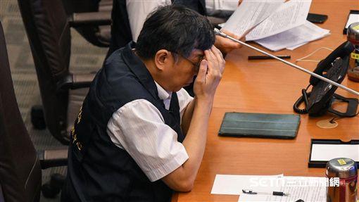 台北市長柯文哲坐鎮災害應變中心。 (圖/記者林敬旻攝)