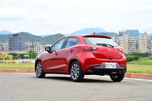 2019年式Mazda 2。(圖/鍾釗榛攝影)
