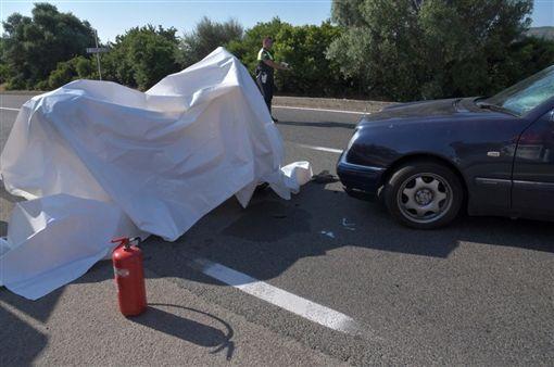 ▲喬治克隆尼傳出在義大利發生車禍的意外。(圖/翻攝自推特)