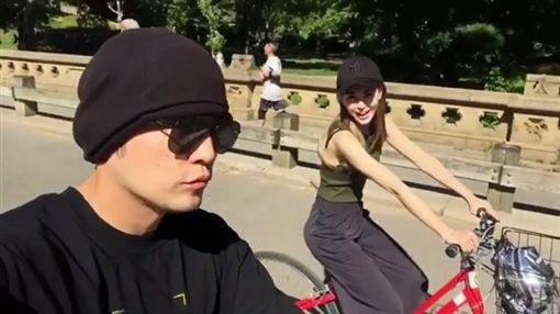周杰倫 昆凌 騎腳踏車