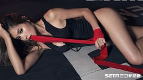 Nikki曾韋綺挑戰以拳擊為主題展現擂台性感過招。(圖/FHM提供)