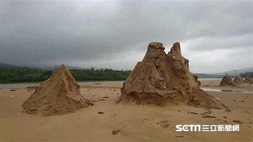福隆沙雕遭颱風瑪莉亞重創。(圖/福容大飯店提供)