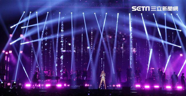 席琳.狄翁 2018台北演唱會,引爆台北小巨蛋。(記者邱榮吉/攝影)