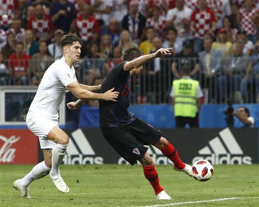 曼祖基奇的左腳為克羅埃西亞踢入致勝球。(圖/美聯社/達志影像)