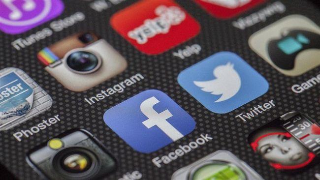 臉書推出全新備份工具 正妹照片秒傳Google相簿