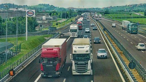 快遞,卡車 示意圖/翻攝自Pixabay