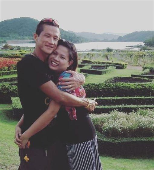 前泰國皇家海軍海豹部隊菁英成員沙曼、遺孀瓦莉彭(Valeepoan Kunan)/Valeepoan Kunan IG