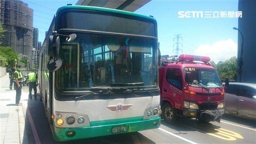 公車,起火,冒煙,撲滅,乘客,無人傷,消防隊,淡水