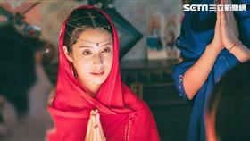 莫允雯的中東裝扮被稱是寶萊塢女郎的化身。(圖/東森提供)