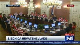 體育、政治共存!克國閣員穿球衣開會 世足,世界盃,克羅埃西亞,內閣會議,球衣