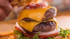 Burger Ray提供高級漢堡。(圖/翻攝自Burger Ray官網)