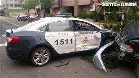 台南,跳樓,自殺,警車,車禍(圖/翻攝畫面)