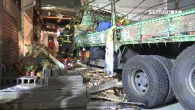 貨車撞夾死0800(DL)