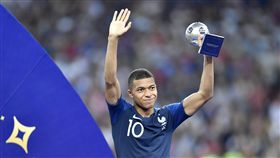 ▲法國隊19歲中場姆巴佩獲選世界盃最佳新人。(圖/美聯社/達志影像)