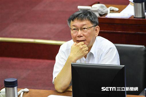 台北市長柯文哲出席市議會市政報告,遭到議員杯葛。 (圖/記者林敬旻攝)
